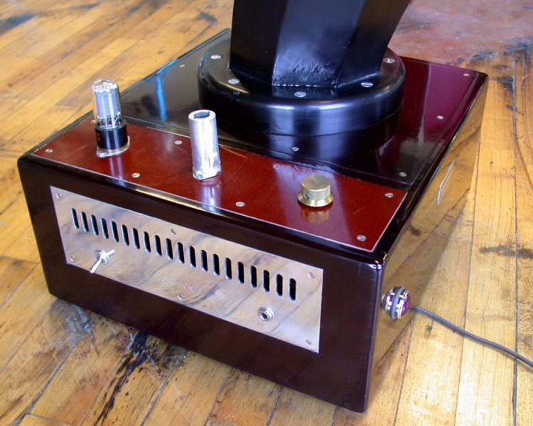 Specimen Custom Horn Speaker and built-in Tube Amplifier