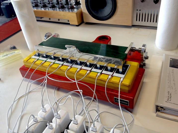 Nano Sync Apparatus by Ian Schneller