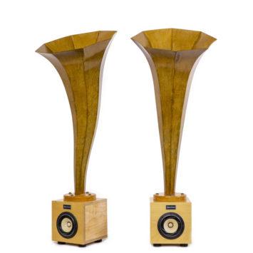 Specimen Calla Natural Horn Speaker