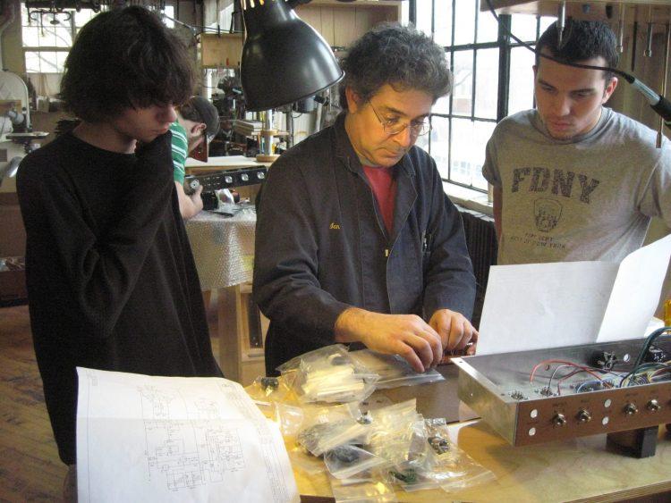Ian Schneller teaching Tube Amp Making